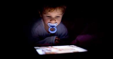ඔබේ  දරුවාත්  TV, Phone, Tablet, PC ආදියට ඇබ්බැහි වී ඇත්ද?